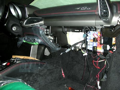 Ferrari 458 Italia - Panasonic NAVI Installation